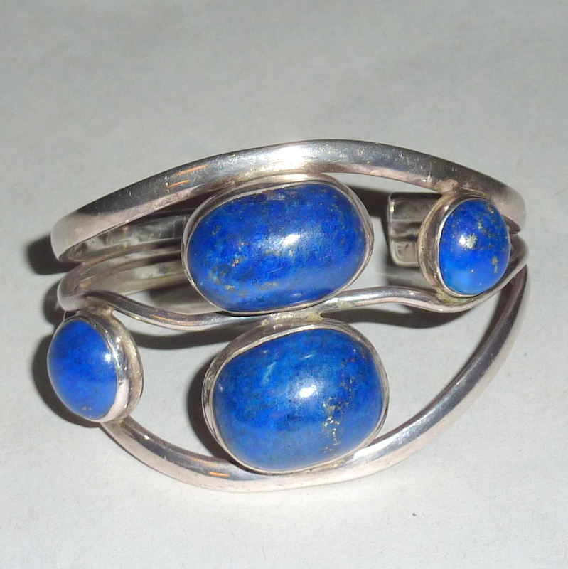 Stunning Vintage 1940's Coin Silver & Lapis Lazuli Native American made Bangle