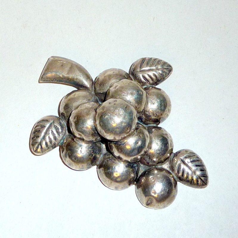"Vintage 1940's 925 Silver 3"" long Grape Cluster Brooch signed SAC"
