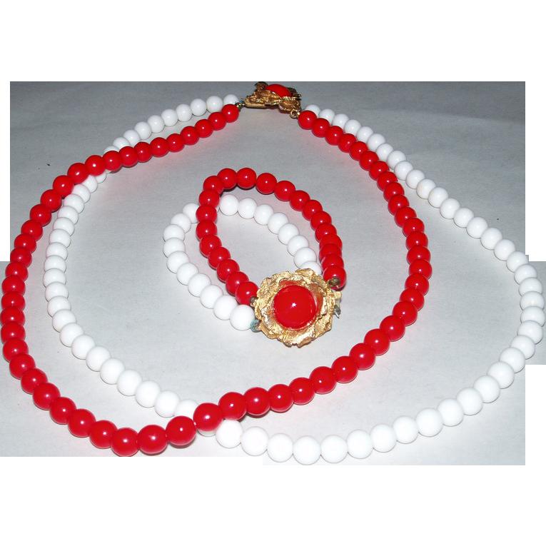 Vintage 1940's Red & White Glass Beads Necklace & Bracelet Set