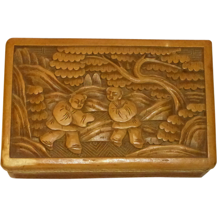 "1900's China Export Carved Lacquer 4"" Trinket Box Elaborate Garden Scene"