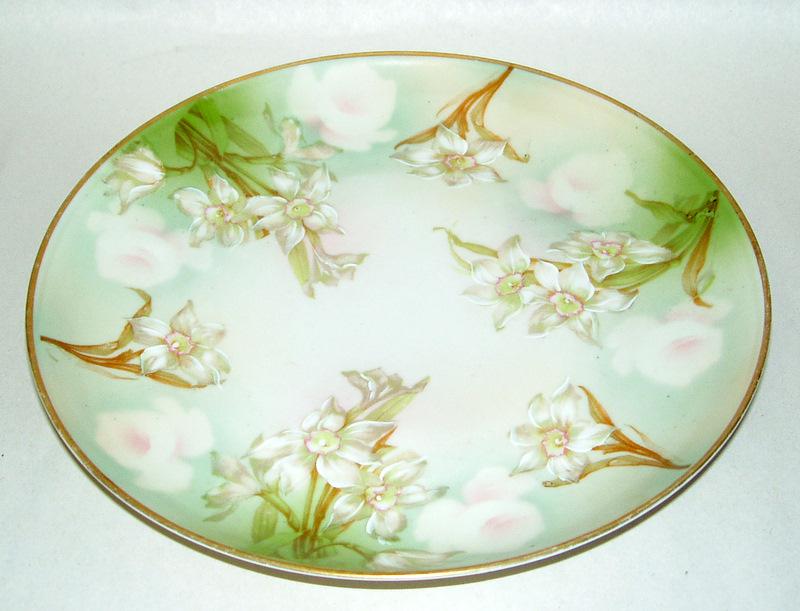 "Antique 1910 M Z Austria 8 1/2"" Porcelain Green & White Easter Lilies Plate"