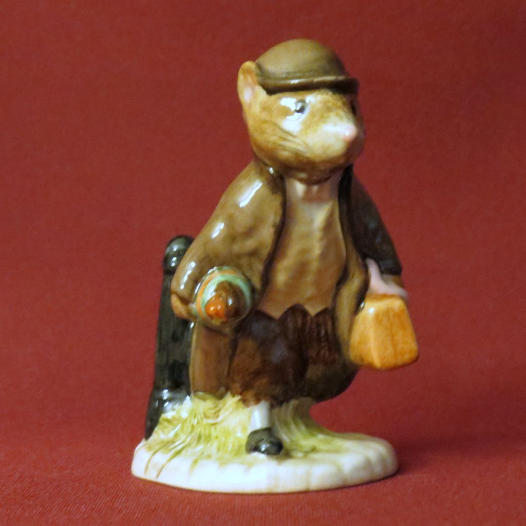 Rare beswick beatrix potter johnny town mouse with bag for Valuable antiques and collectibles