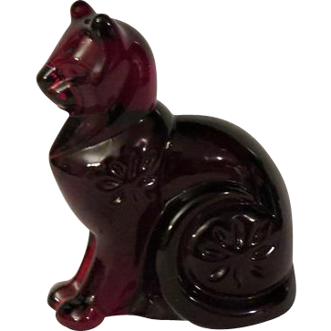 Franklin Mint Curio Cabinet Ruby Glass Cat