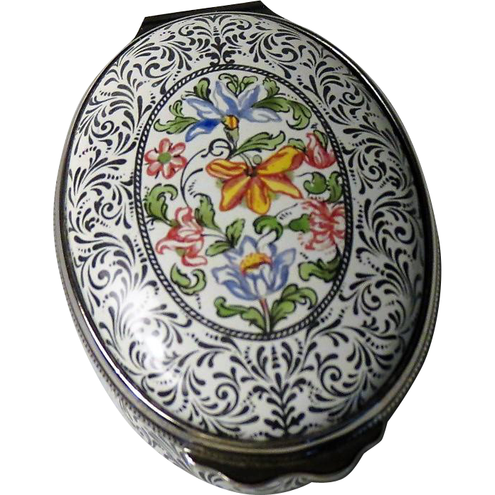 Halcyon Days Enamel Box Designed after Hull Grundy Box in British Museum