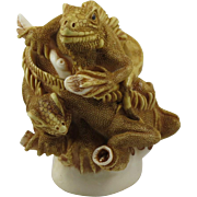 Harmony Kingdom Leatherneck's Lounge Small Treasure Jest Box Figurine with Iguanas