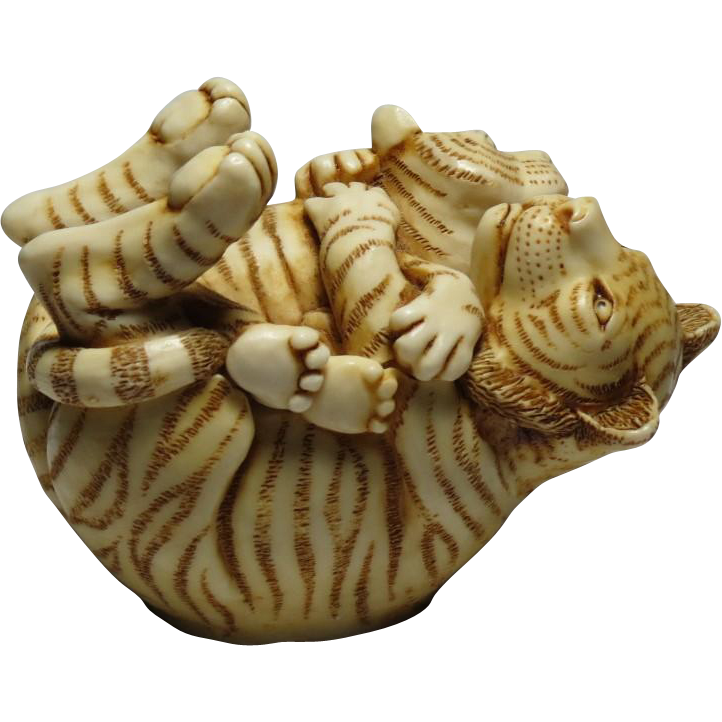 Harmony Kingdom Of The Same Stripe Small Treasure Jest Box Figurine with Tigers