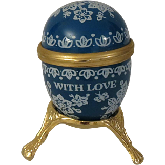 Early Halcyon Days Bilston and Battersea  Egg Shaped Enamel Box with Three Legged Stand