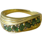 Vintage Ring Grass Green Tsavorite Garnet set in 18K Yellow Gold Band
