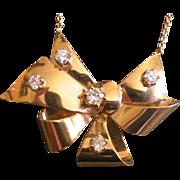 Elegant 1940s Retro Necklace 14K Yellow Gold with diamonds Diamonds Bow Shape PRICE REDUCED