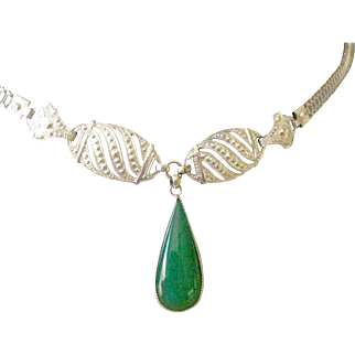 Amazing Deco Necklace Decorative Chrome Chain and setting with Green Onyx Center Drop