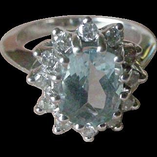 Vintage 14K White Gold Ring Oval Aquamarine Surrounded by 12 Round Diamonds