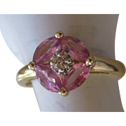 Distinctive Vintage Ring Pink Sapphire and Diamond in 14K Yellow Gold