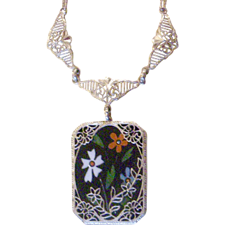 Delightful Deco Necklace Silver Onyx with Flowers in Filigree Pendent