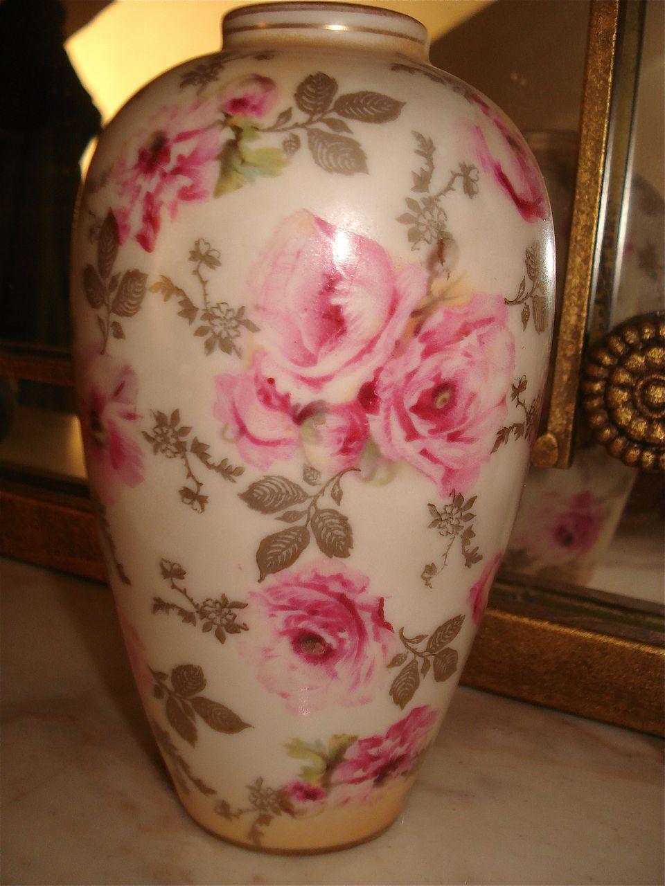 Prussia Vase Mold910 Scattered Pink Roses