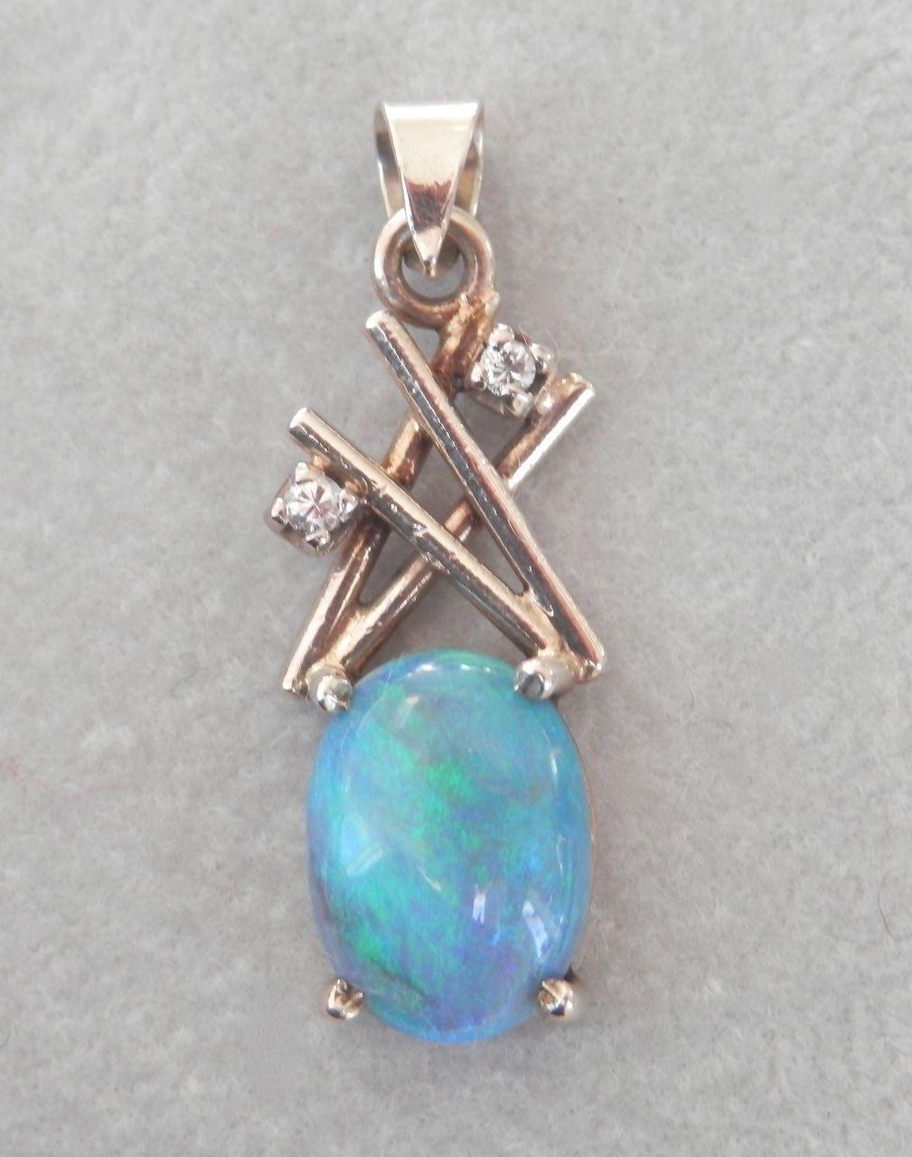 Vivid 9k 9ct Natural Opal Diamond Vintage Pendant