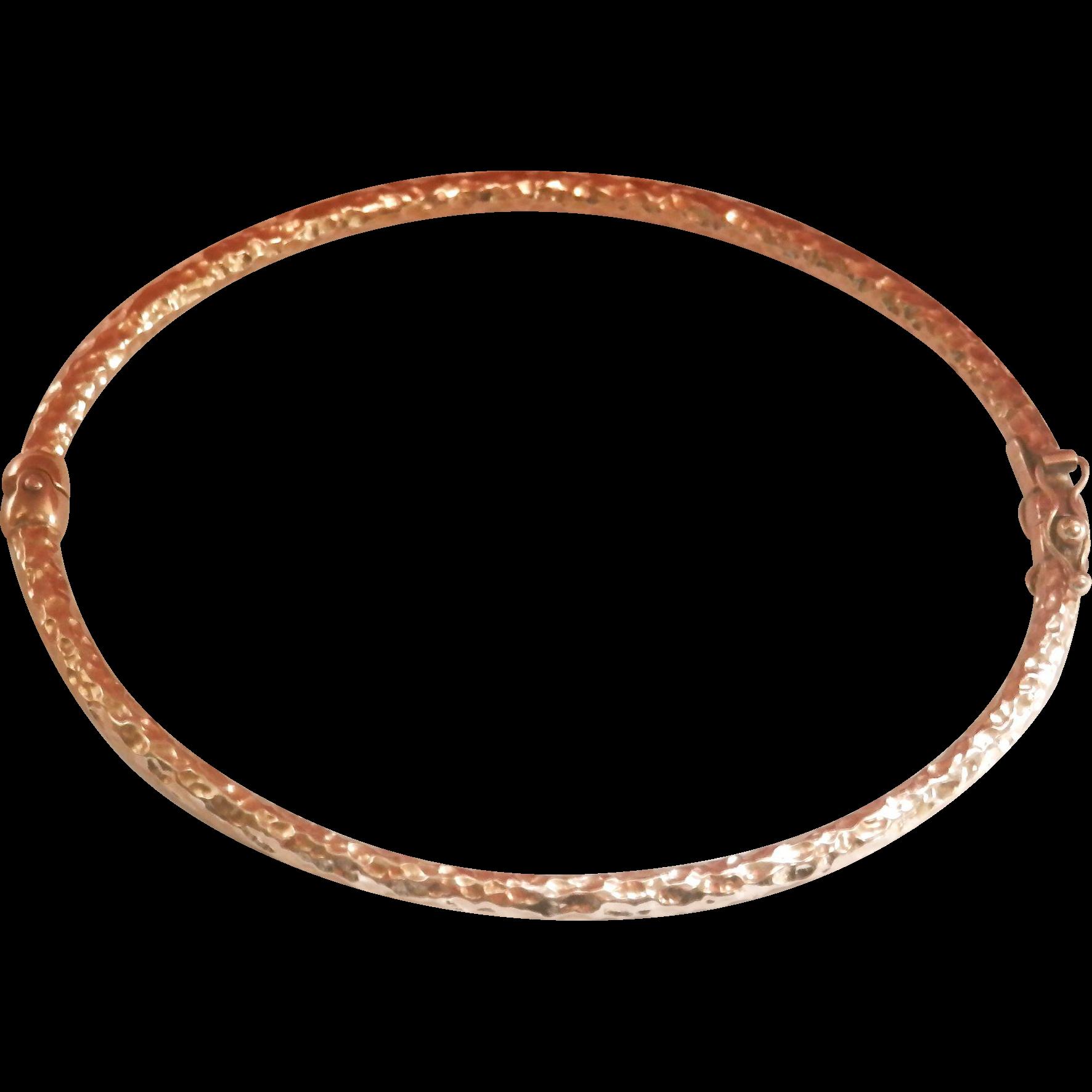 Lovely Textured 9K Y/Gold Hinged Bracelet Bangle