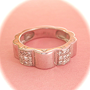 Beautiful 18K W/Gold Diamond Chanel Profil de Camellia Ring