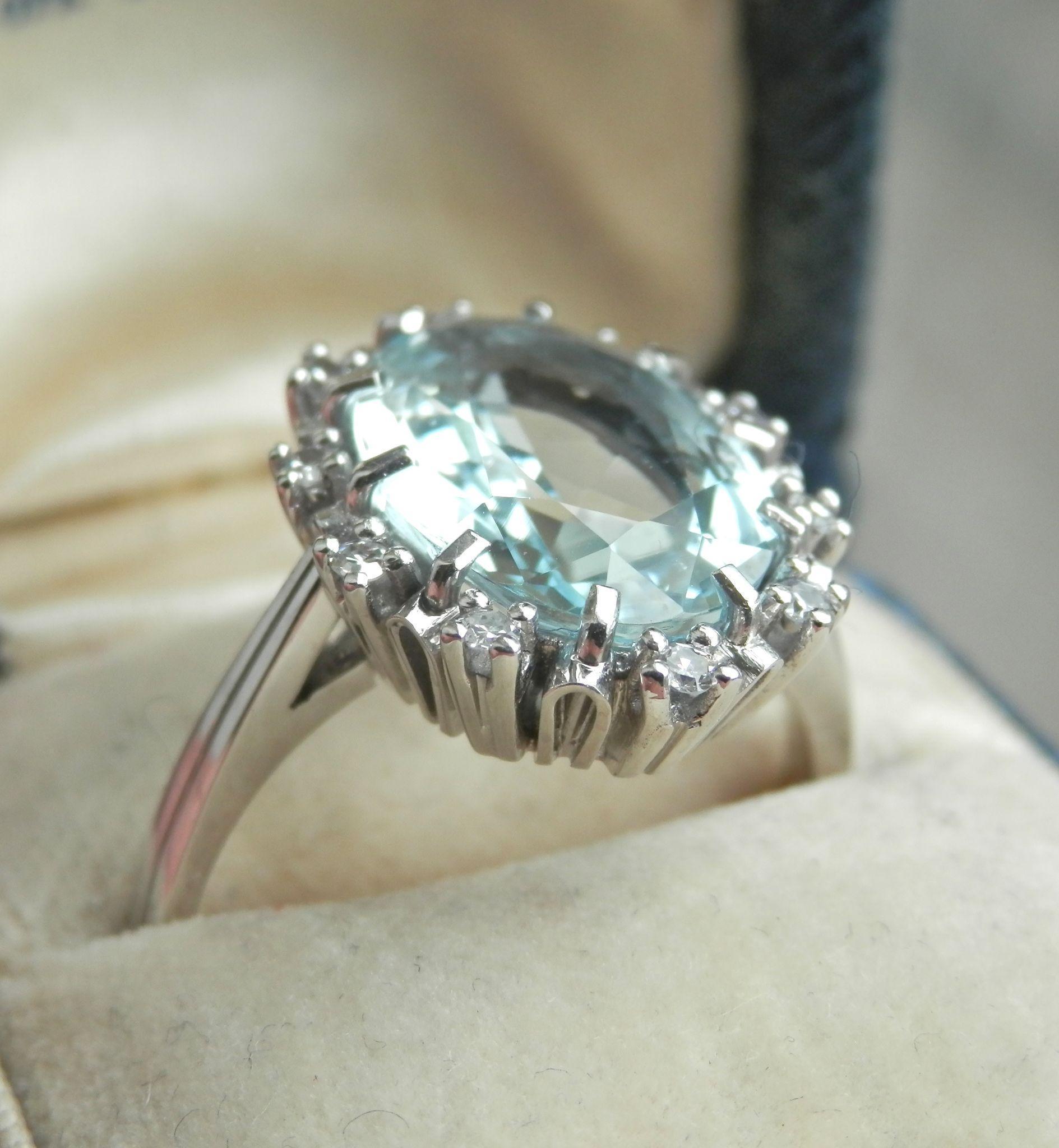 Exquisite 6.75 ct. Diamond Aquamarine Platinum Ring