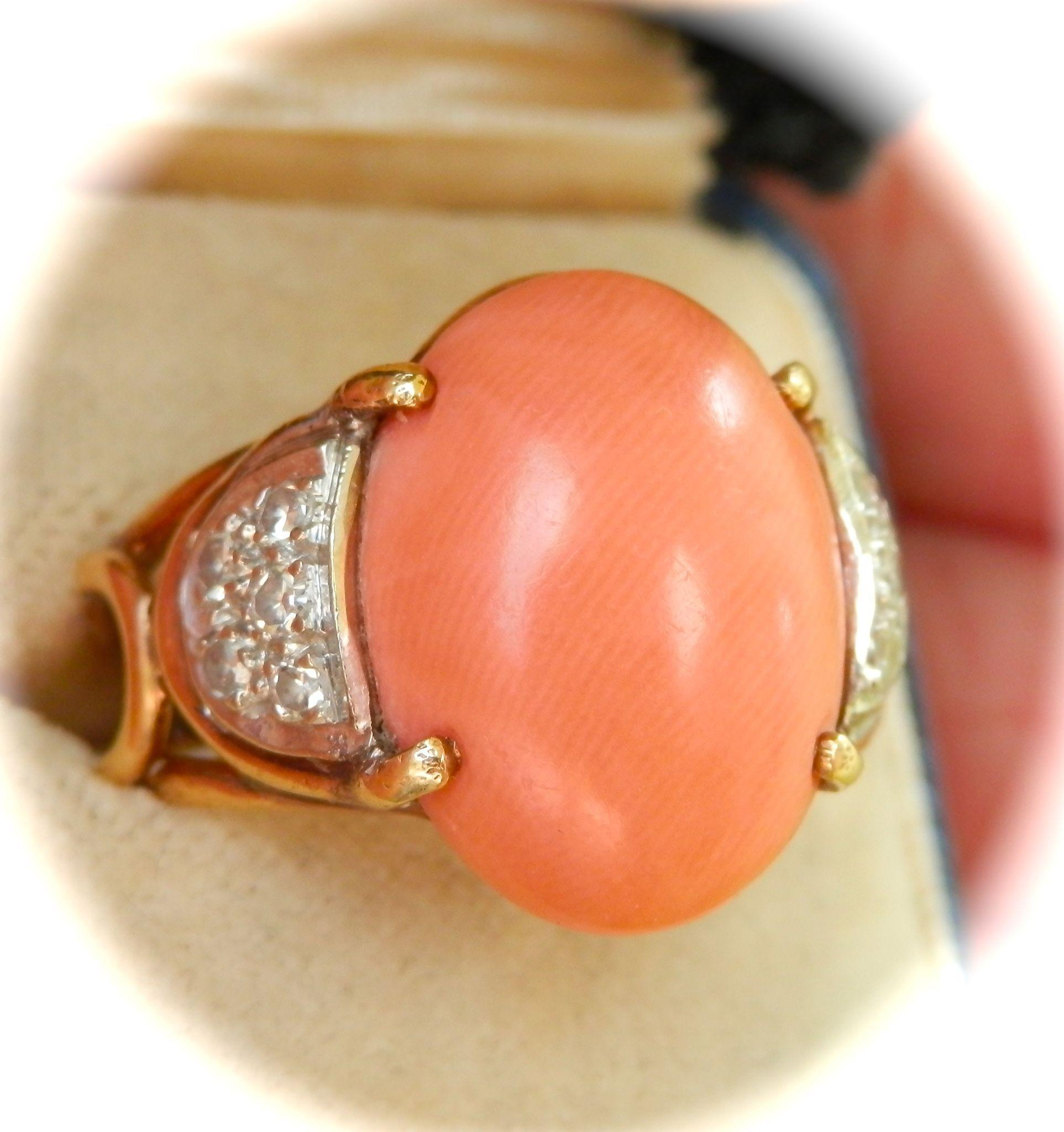 Striking Heavy 14K Gold Natural Coral Diamond Vintage Ring