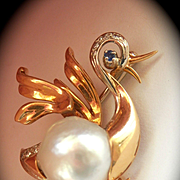 Beautiful Designer 18K Gold 13mm Semi-Baroque Pearl Sapphire Diamond Duck Pin Brooch