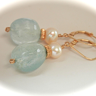 Beautiful 14K Gold Aquamarine Pearl Drop Earrings
