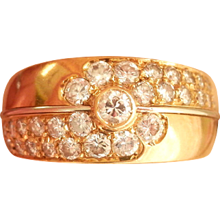 Heavy 18K Gold Vintage 0.60 ct. Diamond Cluster Ring