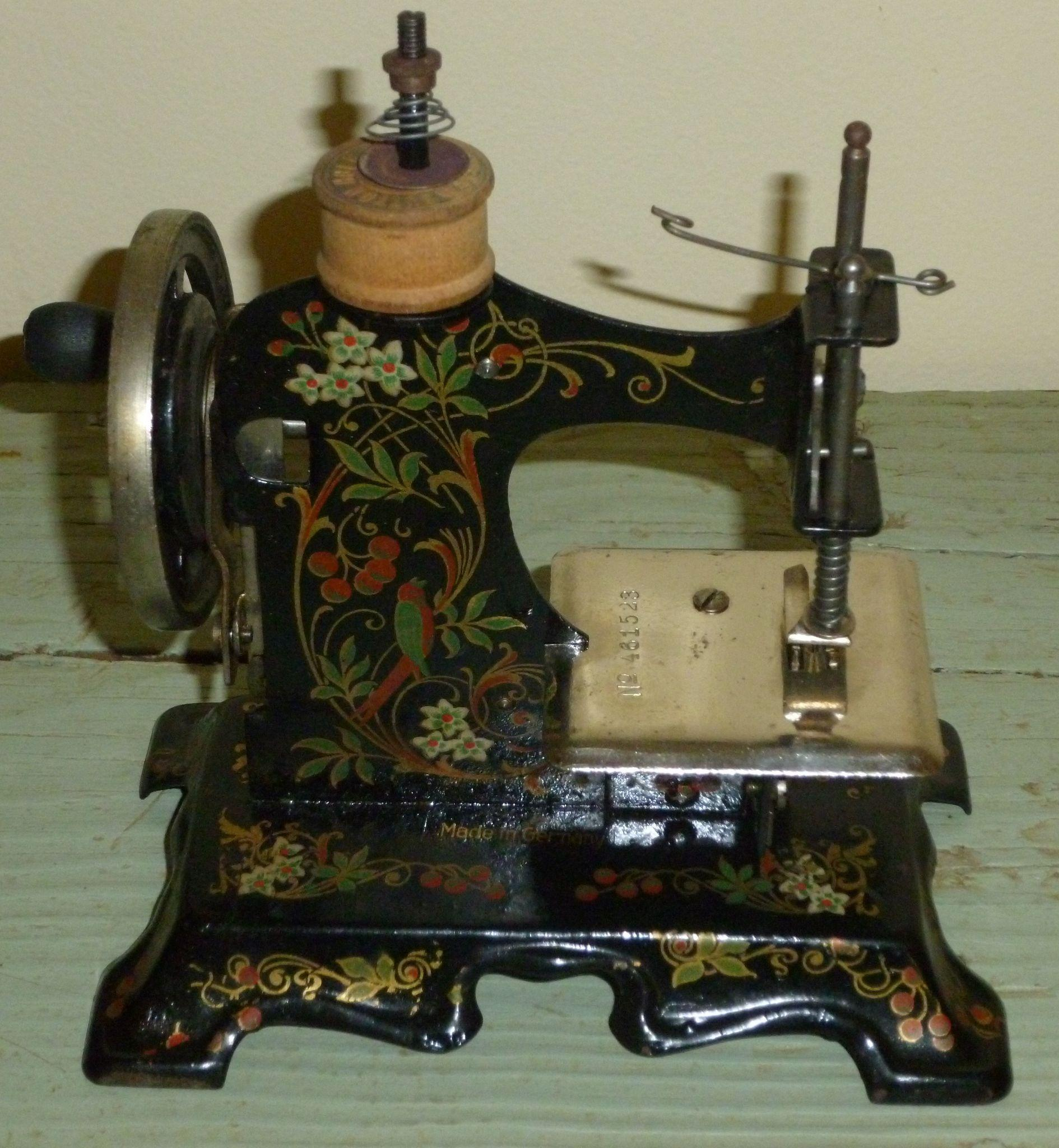 antique sewing machine made in germany