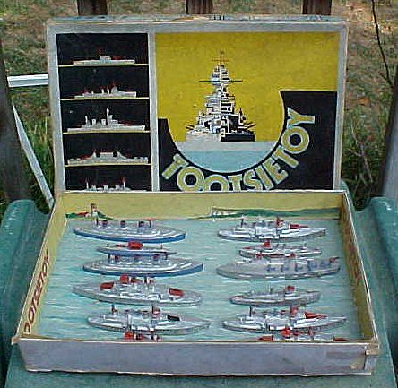 Tootsietoy Fleet No. 5700 Toy Ship Set In Original Box