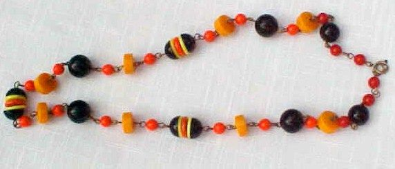 Flamboyant Bakelite Bead Necklace
