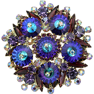 Juliana DeLizza & Elster Heliotrope Purple Margarita Round Brooch