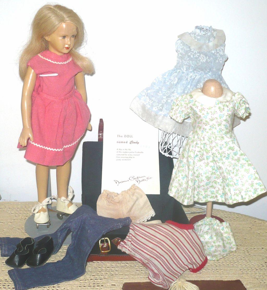 "15"" Latex Dewees Cochran 1947 Cindy Play Suit Skates Brochure Clothes"