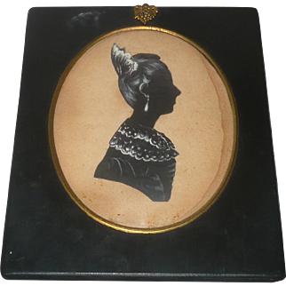 Early 19th Century  Cut and Highlighted Silhouette Woman Hair Comb Earrings Lace Collar