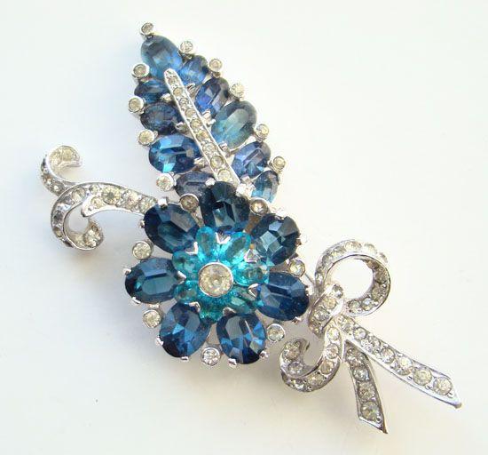 C1941 Rare Mazer Blue Rhinestone Floral Brooch Rhodium Plated Gorgeous