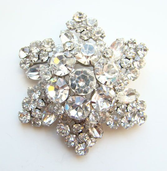 C1960 Juliana DeLizza + Elster Clear Ice Rhinestone Snowflake Brooch