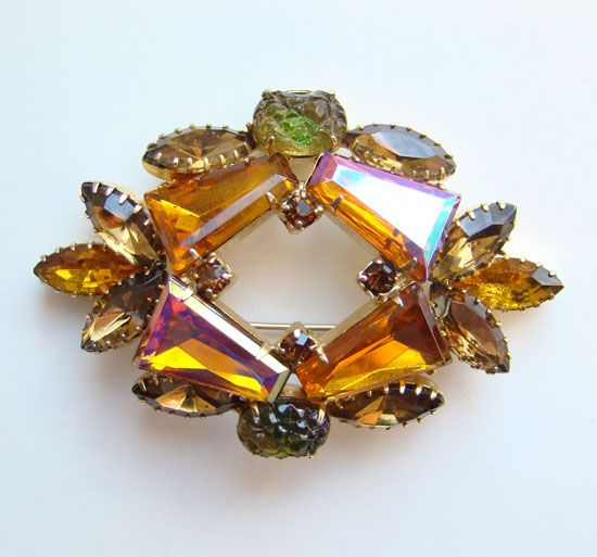 Vintage Keystone Tapered Baquette Rhinestone Topaz Brooch Unsigned