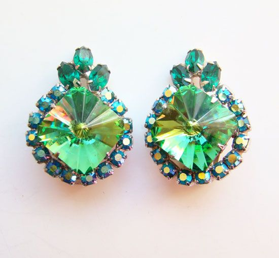 Vintage Dazzling Earrings Green Rivoli Rhinestone Stunning C1960s