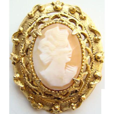 Vintage Retro Florenza Goldtone Shell Cameo Brooch Signed