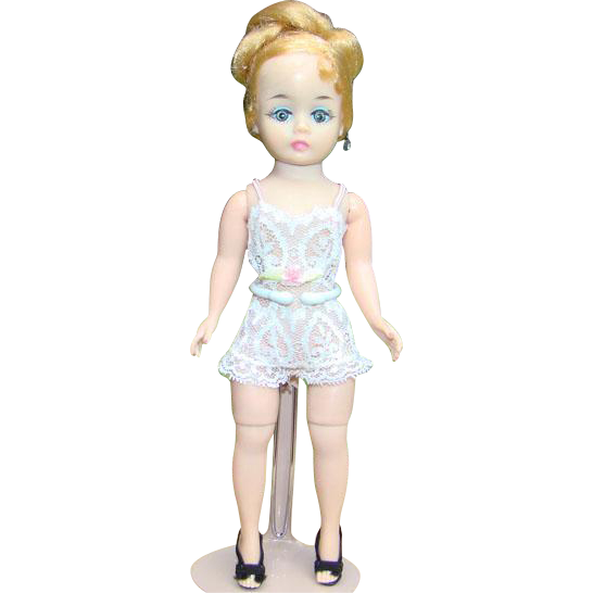 1961 Madame Alexander Cissette Margot 9 Inch Hard Plastic Doll in Chemise Box HTF