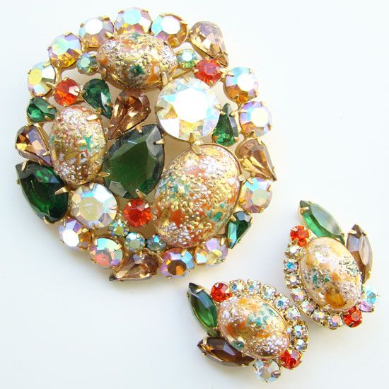 Juliana DeLizza & Elster Rhinestone Brooch Earrings Easter Egg Coral Gold Book Piece