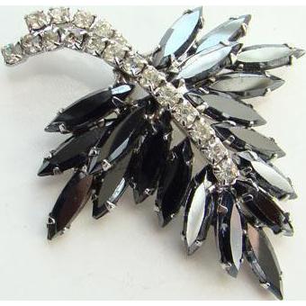 Vintage Black Hematite Rhinestone Stylized Leaf Pin Silvertone Unsigned Costume Jewelry