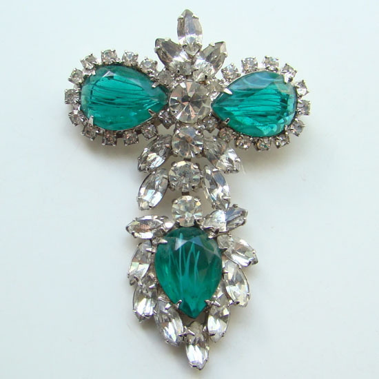 Vintage DeLizza & Elster Juliana Rhinestone Brooch Flawed Emerald C1964