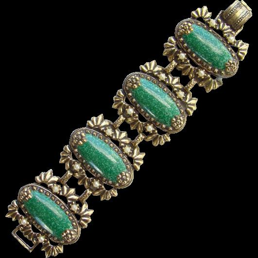 1940s Large Chunky Link Bracelet Oval Green Stone Unigned