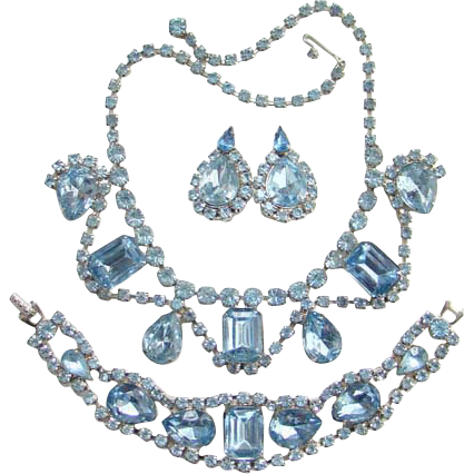 Elegant Vintage Light Blue Sapphire Rhinestone Necklace Bracelet Earrings Parure