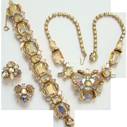 Fabulous Vintage Aurora Borealis Rhinestone Necklace Bracelet Earrings Set Parure