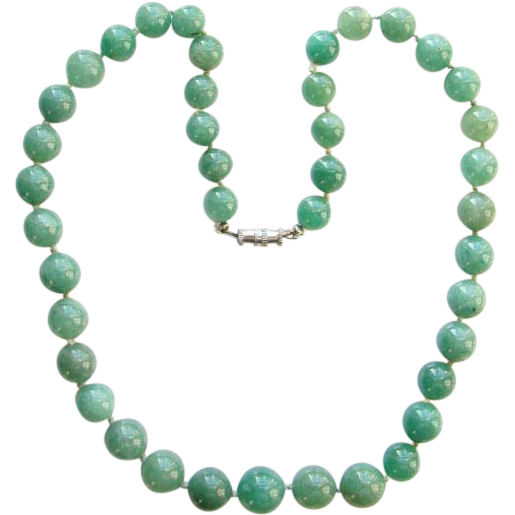 Vintage Graduated Green Chrysoprase Bead Choker Necklace Silk Knotted