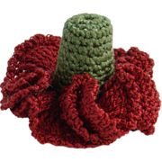 Victorian Cotton Crocheted Needlework Sewing Thimble Holder Red and Green