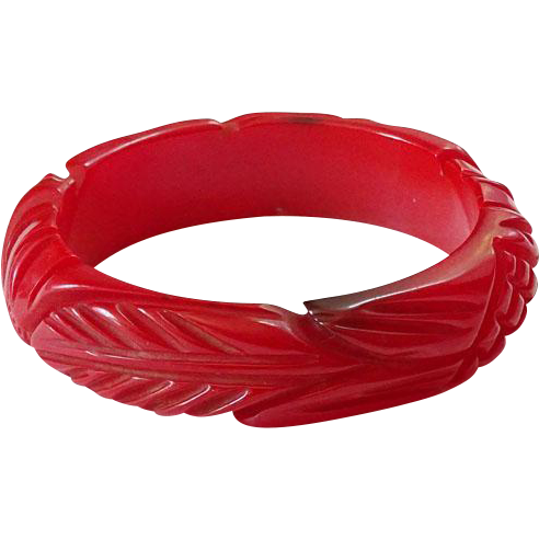 Vintage Deeply Carved Red Bakelite Bangle Bracelet Long Leaves Cross Hatching Tested Bakelite Jewelry