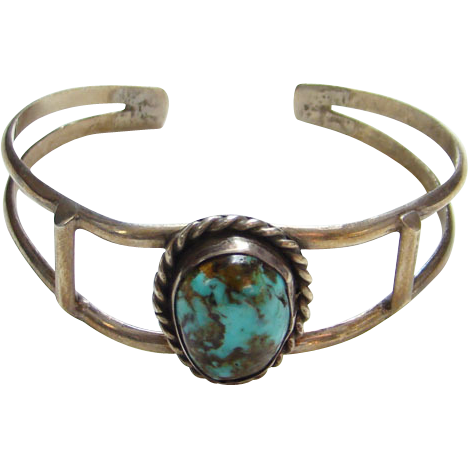 Vintage C1970s Navajo Style Turquoise Cuff Bracelet Wonderful Stone Unsigned