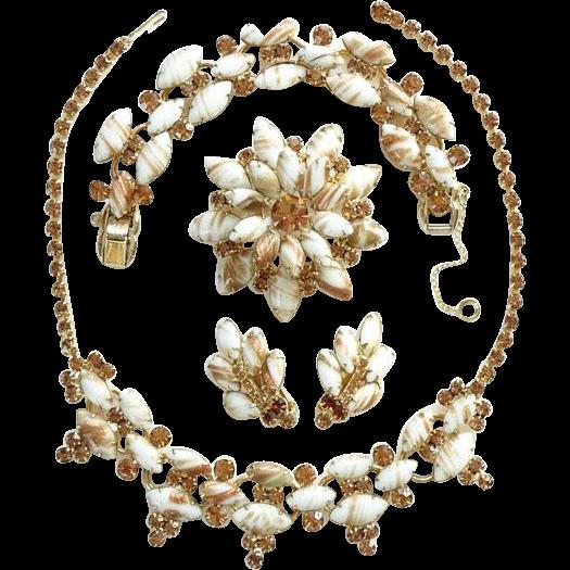 Juliana DeLizza & Elster Grand Parure Chalk White Copper Fluss Rhinestone Set Bracelet Necklace Brooch Earrings C1963