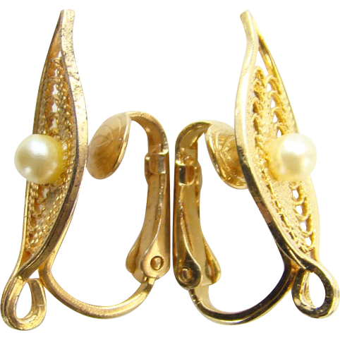 1966 Sarah Coventry Serene Clip Earrings 7648 Faux Pearl Gold Tone
